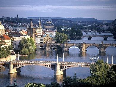 """No se puede mostrar la imagen """"http://chequia.cz/img/belleza-de-puentes-praga.jpg"""" porque contiene errores."""